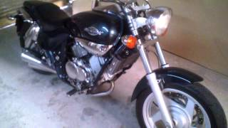 9. Vendo Kymco Venox 250 cc