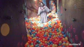 Haunted Circus Maze with Ball Pit Walk-through - Dark Harbor 2015