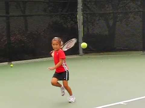 Amelie Worring tennis, 5 years old. Coached by her dad, Thomas Worring.