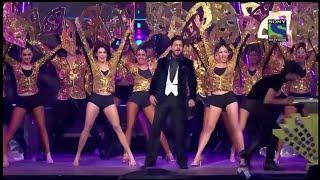 Video Shah Rukh Khan's Grand Entry in Filmfare Awards | SRK | Karan Johar | Kapil Sharma MP3, 3GP, MP4, WEBM, AVI, FLV Desember 2018