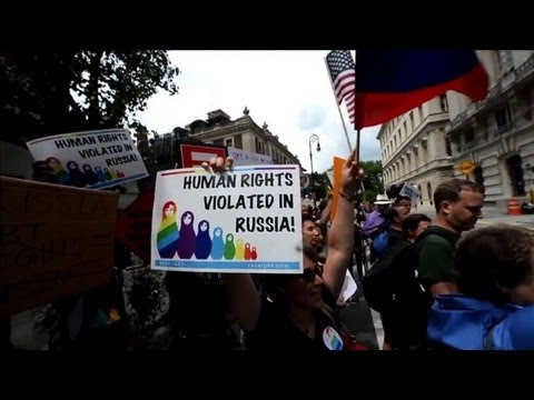 Russian anti-gay law threatens Olympics