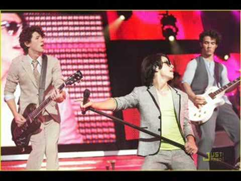 Peace,Love,&Jonas! Chapter 35
