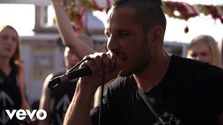 Music video by SWISS & Die Andern performing Klatsche.
