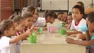 VÍDEO: Educação e alimentação de qualidade são prioridades nas escolas mineiras