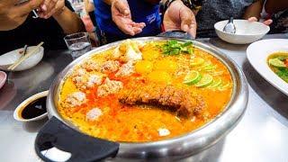 Video Extreme Thai Street Food - CRAZY TOM YUM Late-Night Food Tour in Bangkok, Thailand! MP3, 3GP, MP4, WEBM, AVI, FLV April 2019