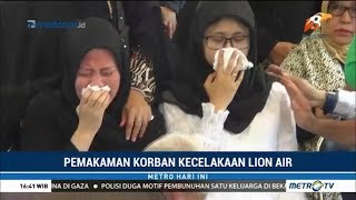Video Jenazah Shandy Johan Korban Lion Air Dimakamkan di TPU Kebon Nanas MP3, 3GP, MP4, WEBM, AVI, FLV November 2018