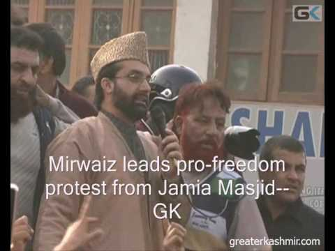 Mirwaiz leads pro-freedom protest from Jamia Masjid