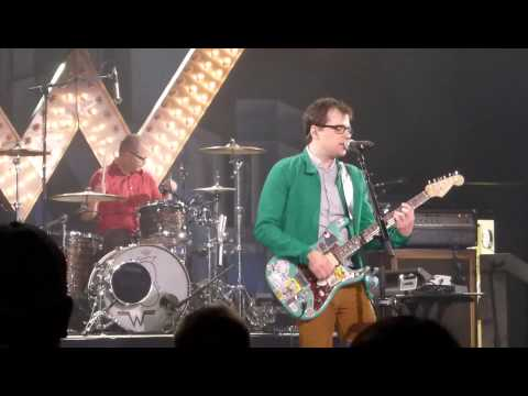 Watch Weezer perform a new song 'Back to the Shack'