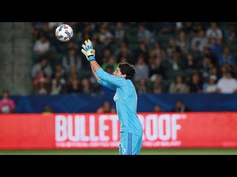 Video: SAVE! Brian Rowe denies Romelu Lukaku his first Manchester United goal
