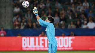 Brian Rowe makes a save on Manchester United's Romelu Lukaku.Want to see more from the LA Galaxy? Subscribe to our channel at http://www.youtube.com/LAGalaxy.Facebook: http://www.facebook.com/lagalaxyTwitter: http://www.twitter.com/lagalaxyWant to check out a game? Visit http://www.lagalaxy.com to view upcoming matches and purchase tickets!