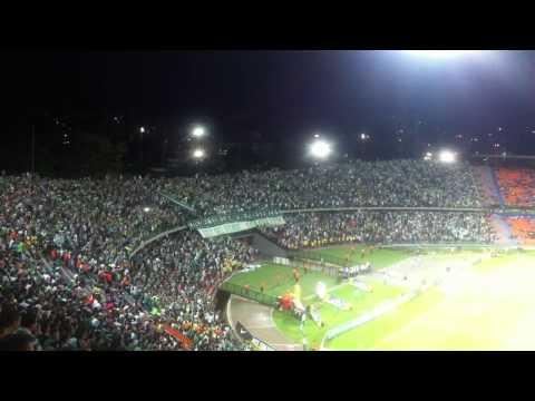 Locos de la cabeza, haciendo descontrol .. - Los del Sur - Atlético Nacional