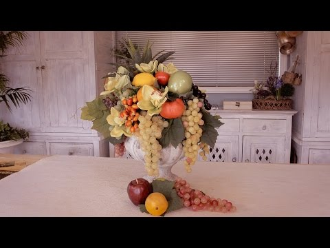 How to Make a Fruit Floristry Arrangement for a Banquet Table (видео)
