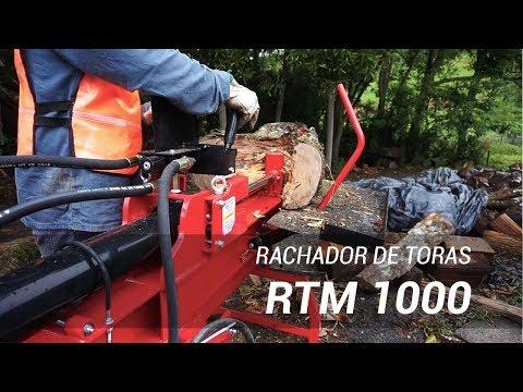 Rachador de lenha RTM 1000 trabalhando em fazenda