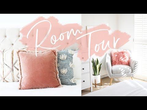 HOME TOUR PT. 1: BEDROOM TOUR | Hello October (видео)