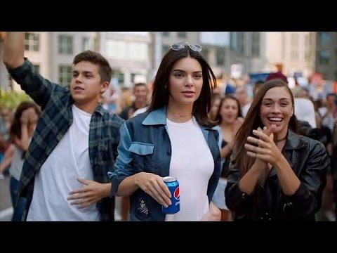Η Pepsi απέσυρε διαφημιστικό έπειτα από μαζική κατακραυγή