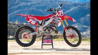 8. Racer X Films: Garage Build 2003 Honda CR250R