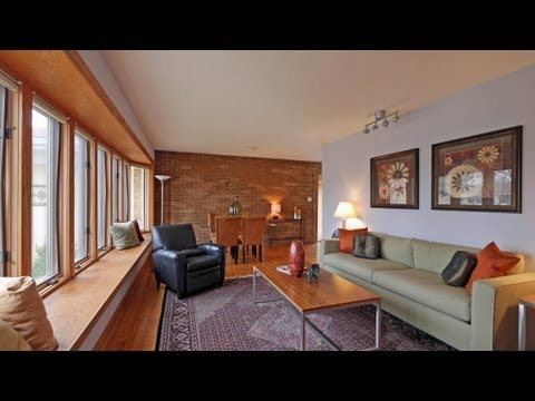 Tour an aggressively-priced 4-bedroom Elmhurst ranch