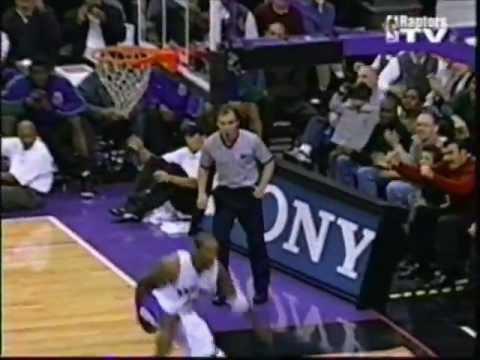 Vince Carter windmill dunk vs. Bucks (99-00)