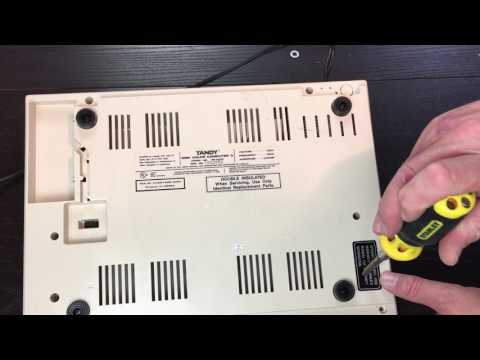 Tandy / TRS-80 Coco 3 Quick Review and Teardown