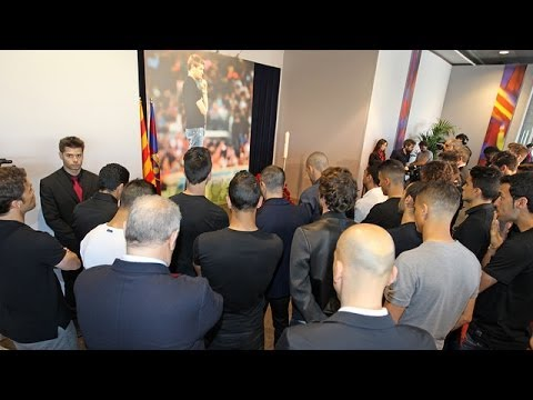 FC Barcelona first team squad pay homage to Tito Vilanova (видео)
