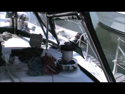 Beneteau Oceanis 440 Custom Cantilevered Dodger