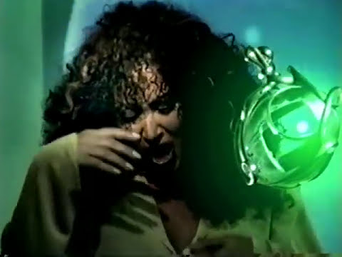 Amanda - En 1998 nuevamente en Italia vuelve a grabar un álbum titulado