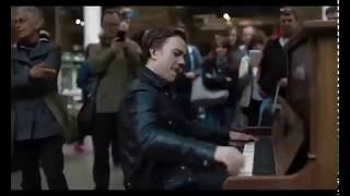 What Happens When A Pro-Pianist Tries A Public Piano...