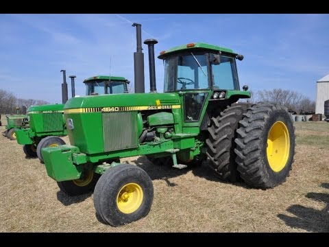 Pair of John Deere 4640 Tractors Sold on Missouri Farm Auction Last Week