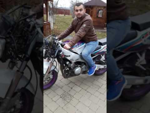 Yamaha FZR 600 R дикий)