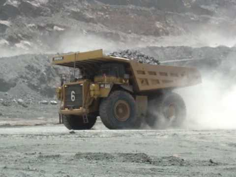 caterpillar truck ct660. Caterpillar 789C Mining Trucks