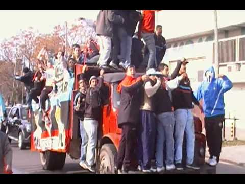 festejos BROWN DE ADROGUE AL NACIONAL B 2012/13 (video 1) - Los Pibes del Barrio - Brown de Adrogué