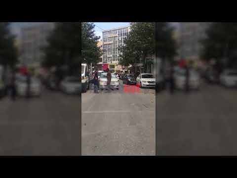 Video - Λάρισα: Αντρας κυκλοφορούσε γυμνός στο κέντρο της πόλης!