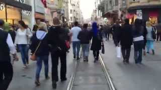 Beyoglu Turkey  city images : Walking Down Istiklal Street in Beyoglu, Istanbul, Turkey