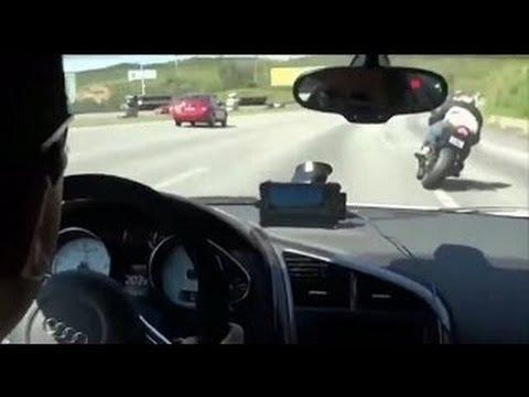 Τρελή κόντρα αυτοκινήτου με δύο (!) μηχανές