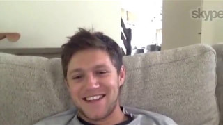 Niall skyped with Smallzy. Talked about his new song Slow Hands and  he showed off his scar.. He claims it was a shark in Bondi!