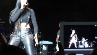 Brandy Live Medley - Sitting Up In My Room, Best Friend, Baby, I Wanna Be Down - NYC