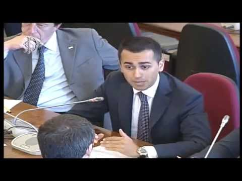 streaming - Video della diretta streaming relativa all'incontro tra Renzi PD e M5S per le riforme tra Grillo e il governo: delegazione con Di Maio, Toninelli. Video dell...