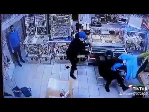 Były żołnierz kontra 4 cwaniaków w sklepie. Szybko ich poskładał!