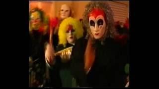 Carnevale Aragonese del 1998. Le riprese sono divise tra Piazza della Vittoria,corso Garibaldi e premiazione dei carri,gruppi e miglior maschere in piazza Aldo ...