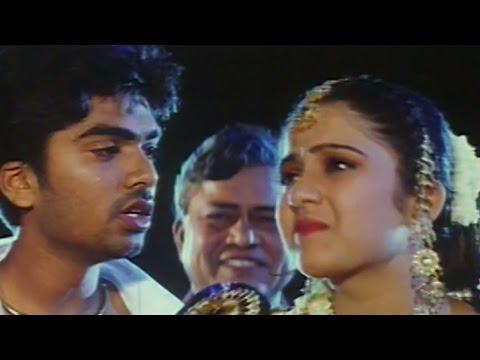 Video Love scene Between Simbu & Charmee || Kurradochadu Movie download in MP3, 3GP, MP4, WEBM, AVI, FLV January 2017