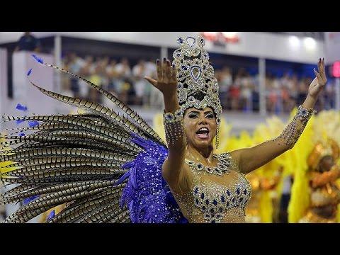 Βραζίλια: Έναρξη καρναβαλιού στη σκιά του ιού Ζίκα