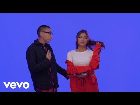 Video Marion Jola - Jangan ft. Rayi Putra download in MP3, 3GP, MP4, WEBM, AVI, FLV January 2017