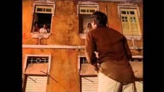 """Ao som de """"A hora da Razão"""" (Batatinha), Vadinho (Edson Celulari) busca o perdão de Flor (Giulia Gam) que prontamente o..."""