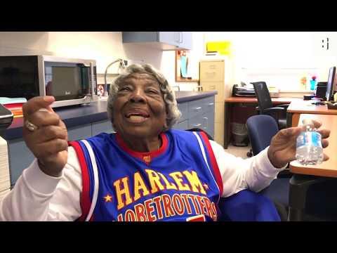 Die Harlem Globetrotters bitten zum Tanz: 109-Jähri ...
