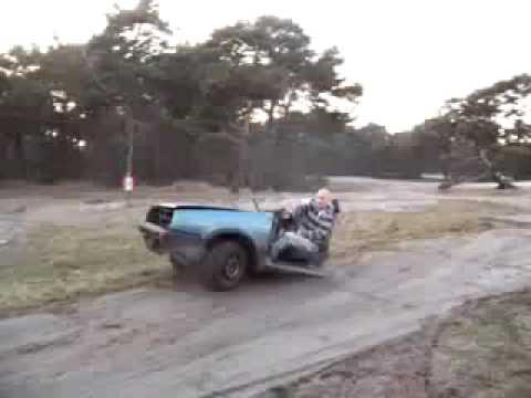 Halbes Auto - fährt trotzdem - In diesem Video zeigt uns der Fahrer eines Golfs, dass nur der Vorderwagen eines PKW ausreicht, um damit zu fahren. Das ist echt...