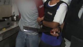 Video Beralasan Kesal pada Sang Korban, Tanpa Ragu Pria Ini Hancurkan Kepala Korban Gunakan Golok - 86 MP3, 3GP, MP4, WEBM, AVI, FLV Juli 2018