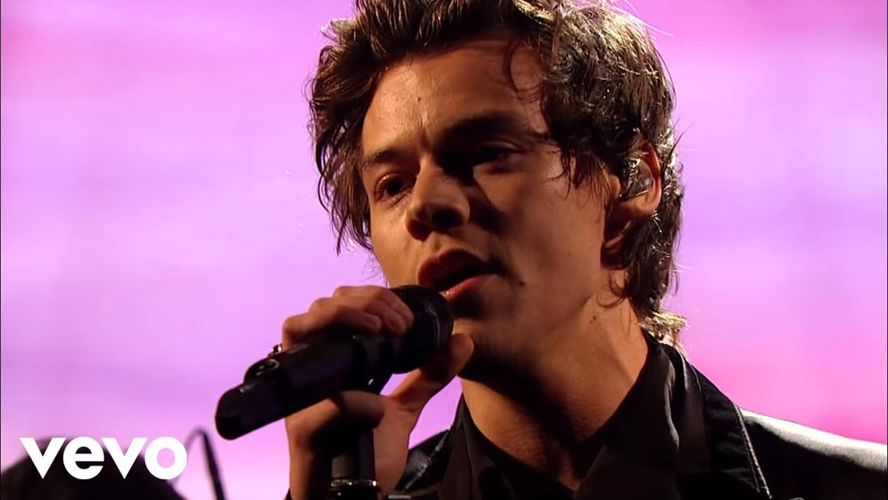 Harry Styles – Sign of the Times (Live on The Graham Norton Show)