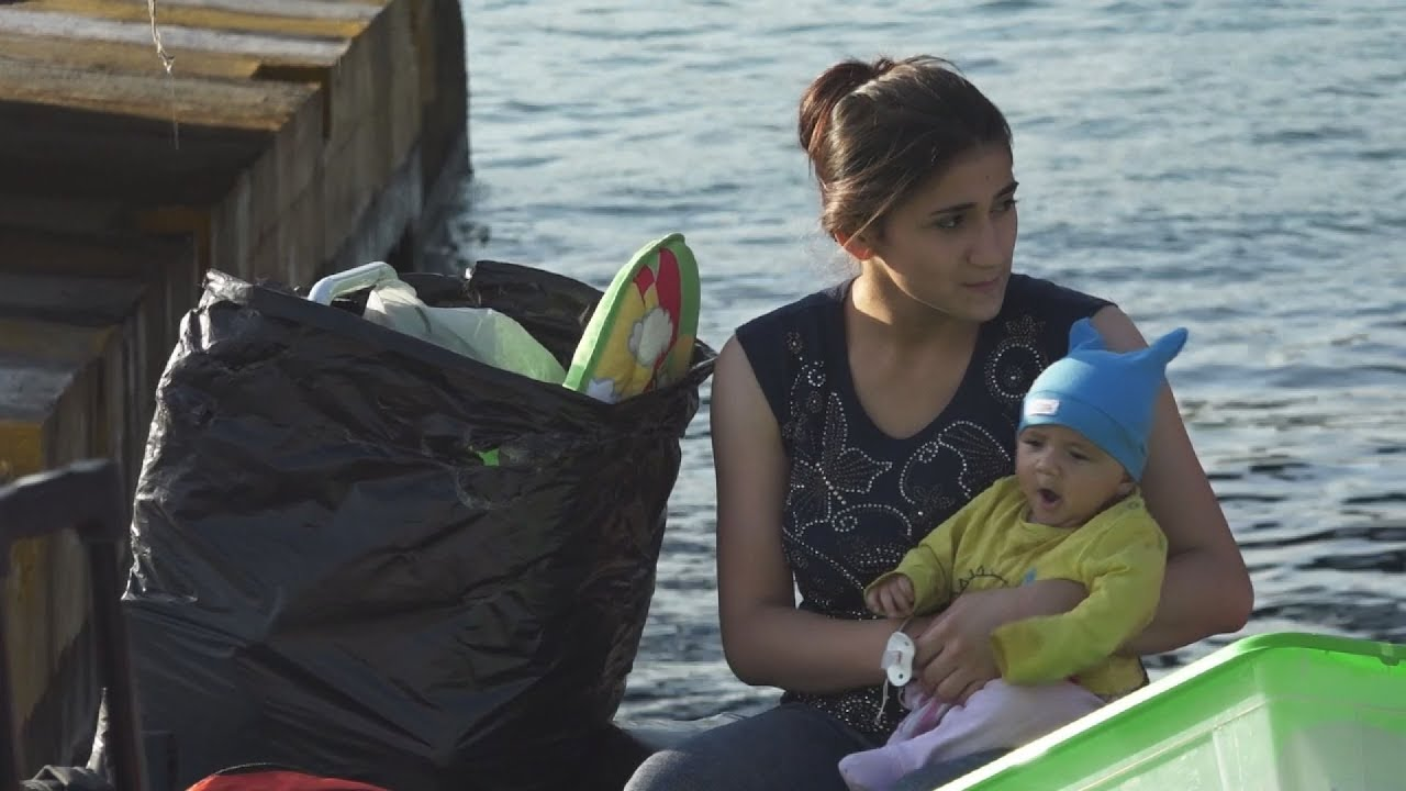 Στο λιμάνι του Πειραιά πρόσφυγες από τη Μόρια