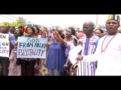 Happening Now In Abuja : Living Faith Members Protest Church Demolition, Police Assault On Pastor
