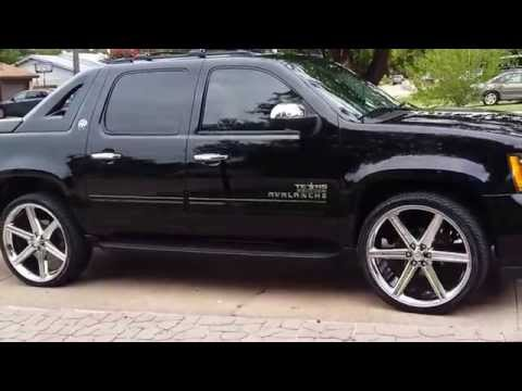 Chevy Avalanche 2013 on 26 inch iroc6 rims